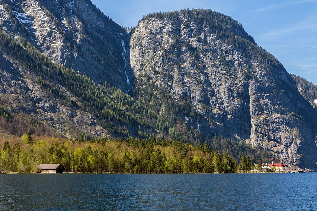 Oberbayern: Königssee - Von Salet zur Fischunkelalm am Obersee - Deutschland, Oberbayern, Nationalpark Berchtesgaden, Koenigssee, Salet, Rueckfahrt, Boote, Koenigssee Schifffahrt, St. Bartolomae, April 2017