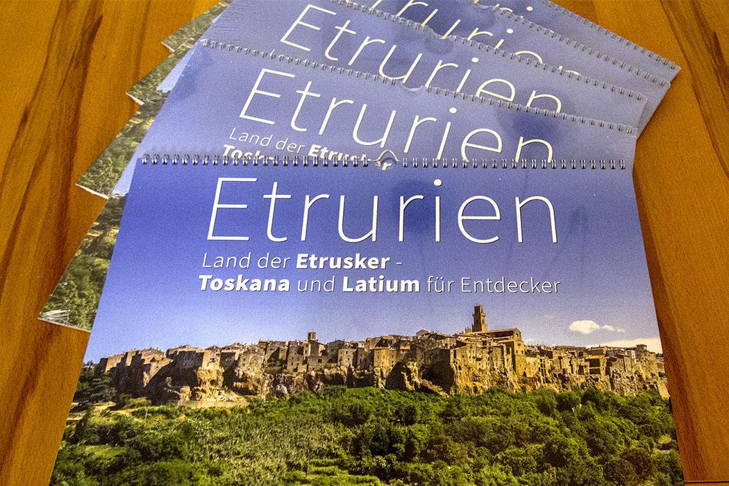 Unser Toskana-Fotokalender über Etrurien ist ein Prachtstück geworden.