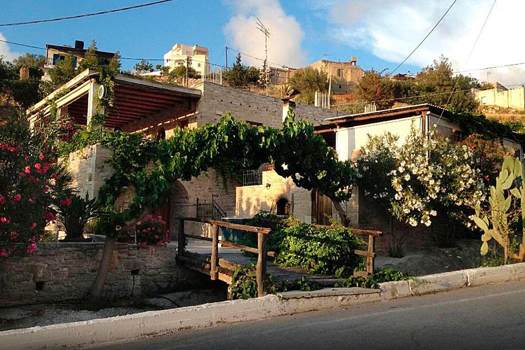 kamilari-kelari-taverna_crete
