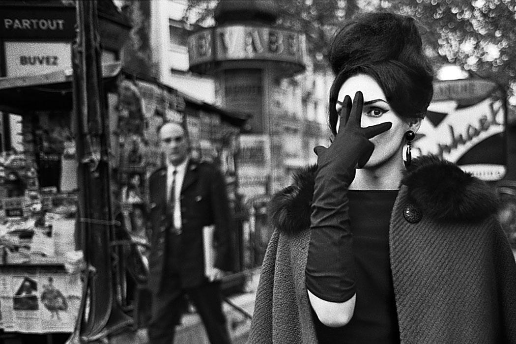 NANA; Place Blanche; Paris 1961 Motiv aus der Ausstellung AUGEN AUF! – 100 JAHRE LEICA-FOTOGRAFIE.