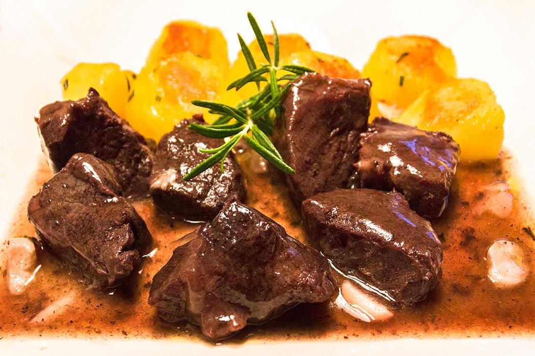 Italienischer Klassiker für den Herbst: Peposo - Toskanischer Rinderschmortopf in Rotwein