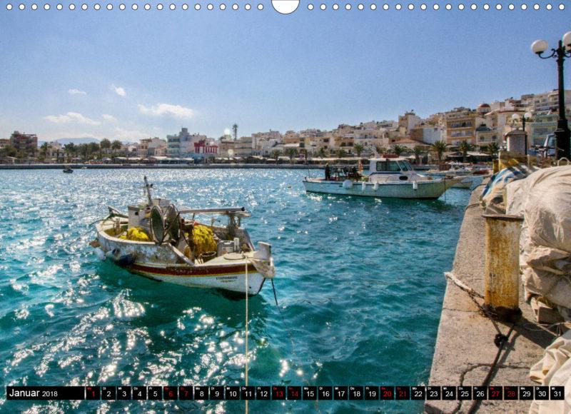 Fotokalender: Ostkreta - Zwischen Sitia und Ierapetra - Hafenstadt Sitia: Blick auf die Hafenbucht mit palmenbestandener Uferpromenade und Altstadt