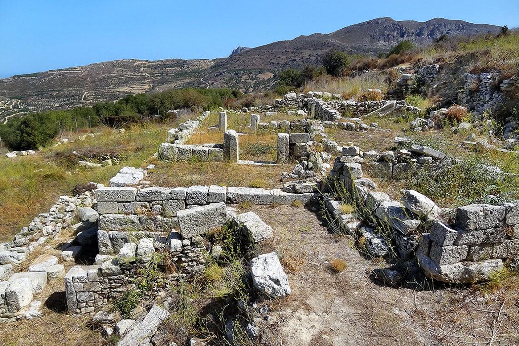 crete_praisos_almondtreehouse_andreion_ol - crete_praisos_almondtreehouse_andreion_ol