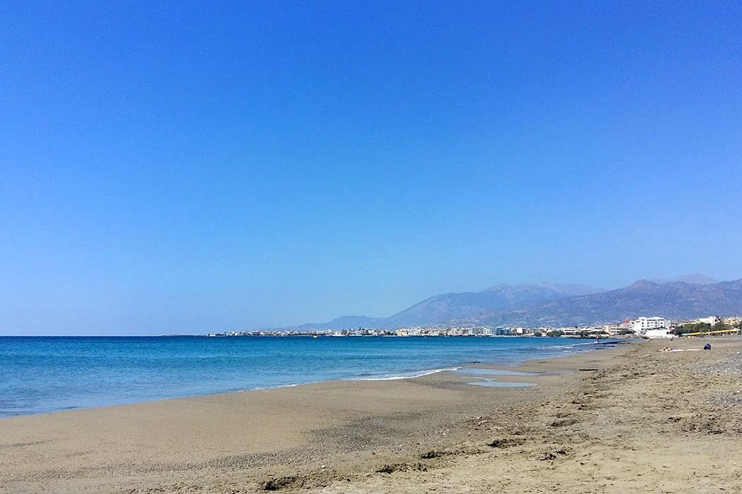 Crete_Ierapetra_Agios Andreas Beach - Wer vom Stadtzentrum Ierapetra nach Osten weiterfährt, kommt zum rund vier Kilometer langen Agios Andreas Beach. Einheimischen nennen ihn auch Ierapetra East Beach.