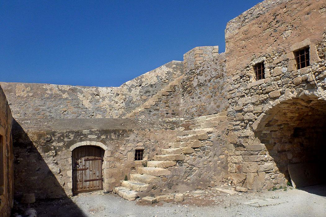 Ierapetra, Fortress, Wikipedia, Roton Piotr - Die Anfänge des Hafenkastells Fort Kalés in Ierapetra gehen auf das 13. Jahrhundert zurück und hat eine bewegte Geschichte hinter sich. Inzwischen wurde die Festung komplett renoviert und kann seitdem besichtigt werden. Foto: Wikipedia, Roton Piotr