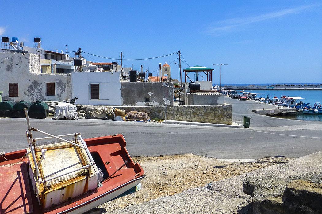 Am Fischerhafen von Ierapetra stehen sie noch, die alten kretischen Häuser in ihrer typischen Würfelform.