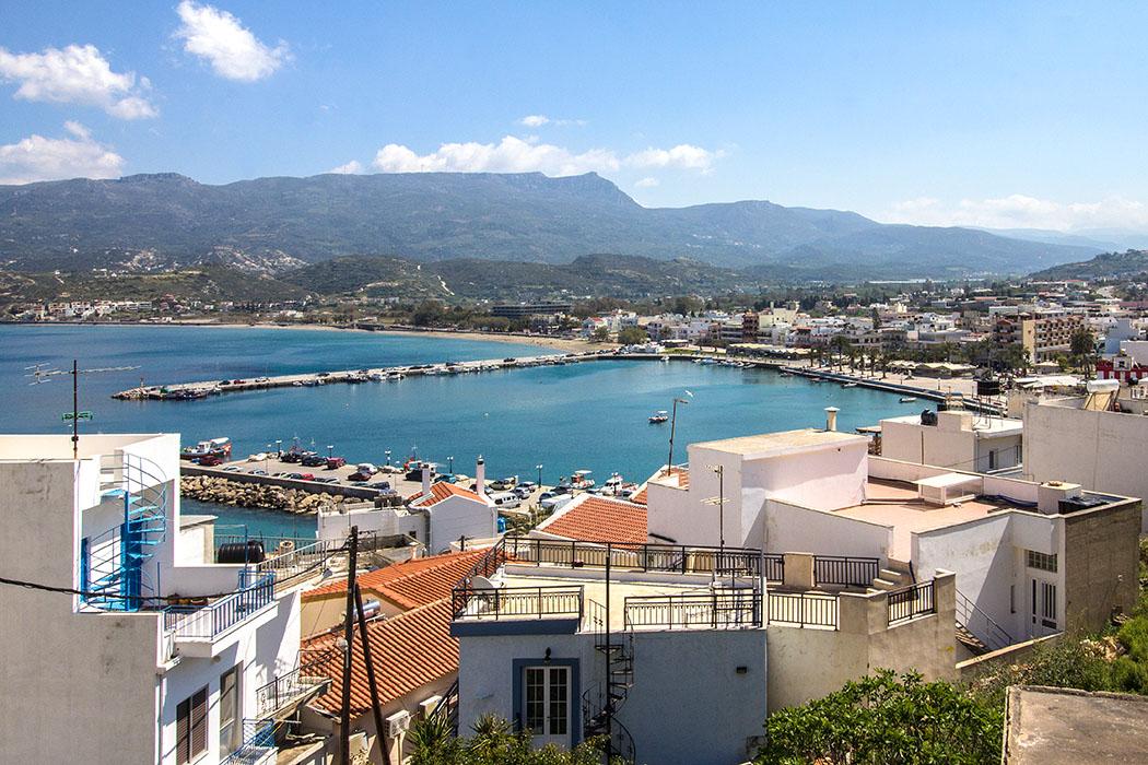 Unterhalb der Festung von Sitia kann ein hübsches Panorama über den Hafen und die Landschaft betrachtet werden.
