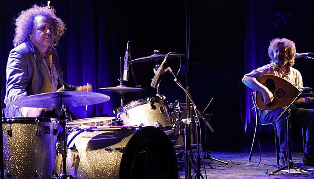 Musik-Rezension: Xylouris White - Mother (2018) - Live sind die Xylouris White ein intensives Erlebnis, wir konnten sie im Oktober 2016 in München erleben. Foto: Wikipedia, G. Garitan