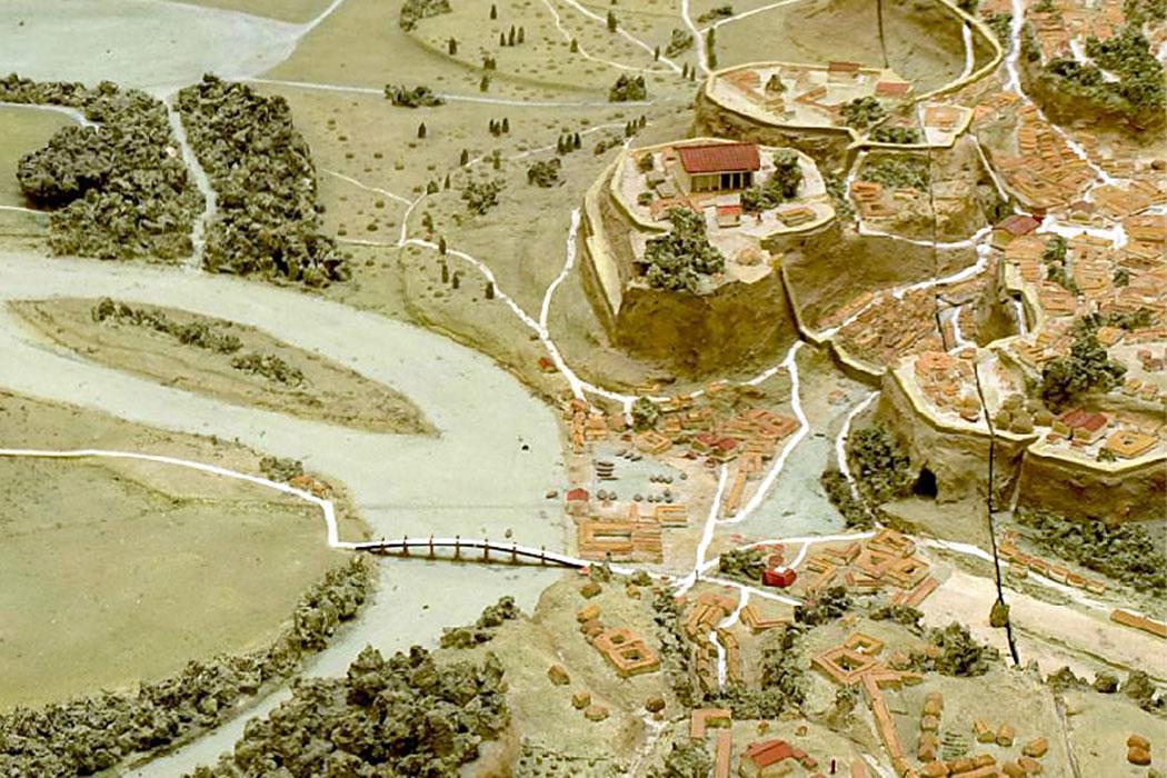 Campus Martius in Archaic times - Rom in seiner Frühzeit: Gut erkennbar ist auch die einzige Tiberbrücke beim Forum Boarium, dahinter der Kapitolfelsen mit dem Haupttempel der Stadt. Modell-Foto: cdm.reed.edu