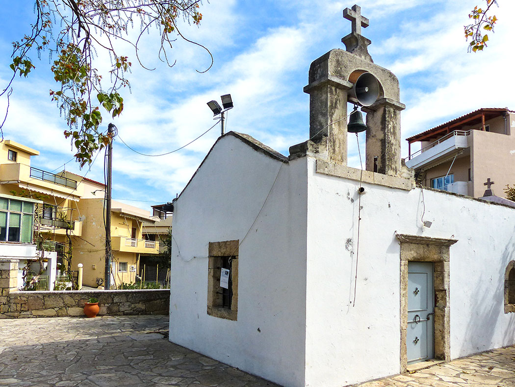 Die Katharinenkapelle im Winzerdorf Archanes. - reise-zikaden.de, Griechenland, Kreta, Heraklion, Archanes, Kirche