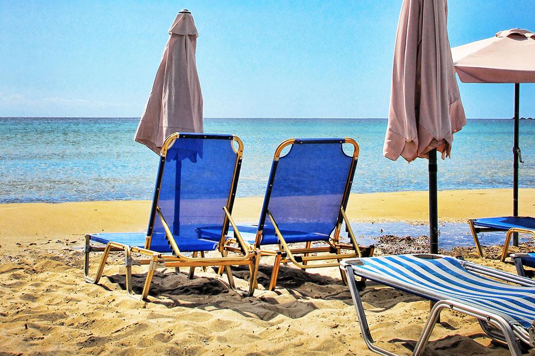 beach-italy_chairs - Die Strände und Küstenlandschaften bei Tarquinia bieten jedem etwas.