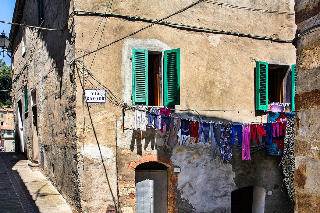 Waschtag in der Via Cavour!