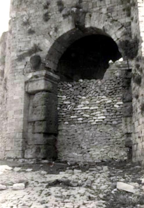 porta all'arco, volterra, 1944_ol