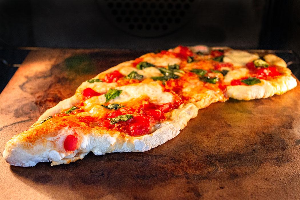 pizza margherita den klassiker aus italien selber machen. Black Bedroom Furniture Sets. Home Design Ideas