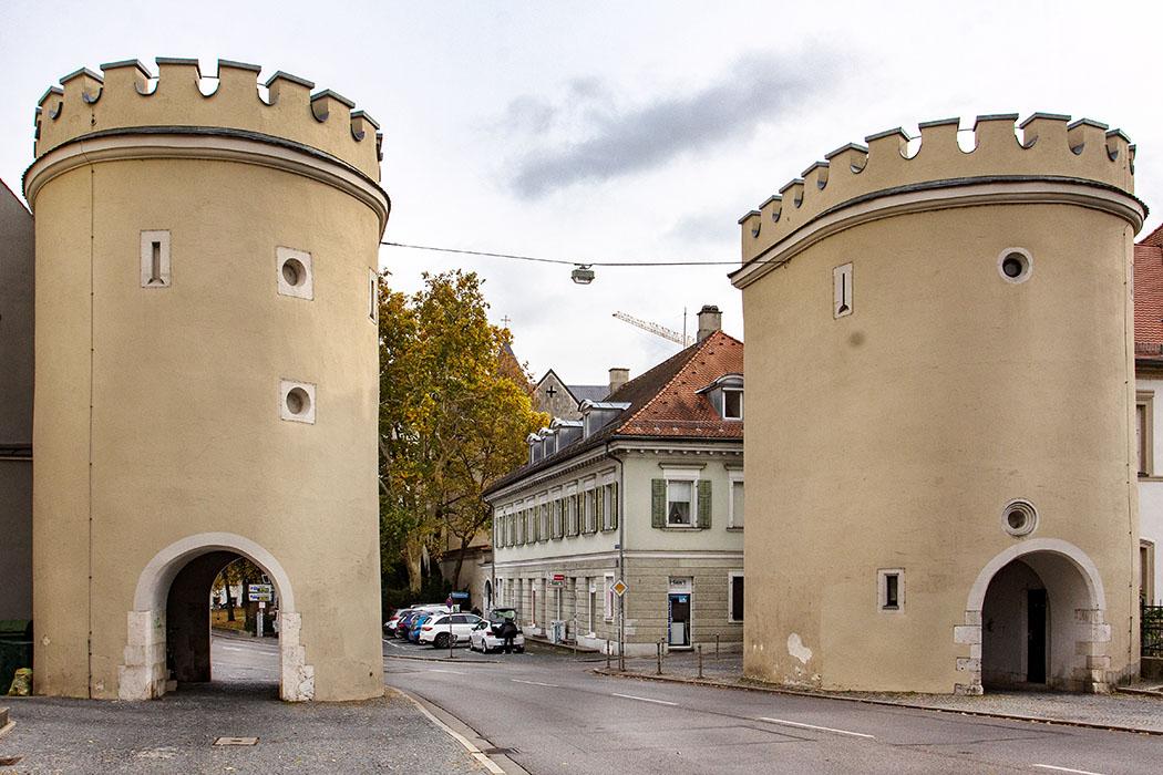 reise-zikaden.de, oberpfalz, regensburg, bayern, donau, jakobstor, schottenkloster st. jakob, schottenkirche - Das Jakobstor ist ein mittelalterliches Stadttor in der Nähe des Schottenklosters im Westen von Regensburg. Der mächtige Hauptturm wurde Anfang des 19. Jhds. abgebrochen.