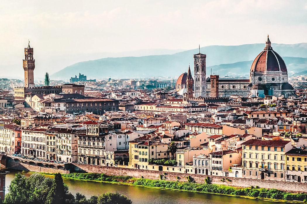 firenze_duomo_ponte vecchio_palazzo signoria Florenz: Das Panorama vom Aussichtsplatz Piazzale Michelangelo auf die Altstadt ist einzigartig und gleicht einer Postkarte. Der Blick schweift vom Arnolfo-Turm des Palazzo Vecchio (links) zum Dom Santa Maria del Fiore.