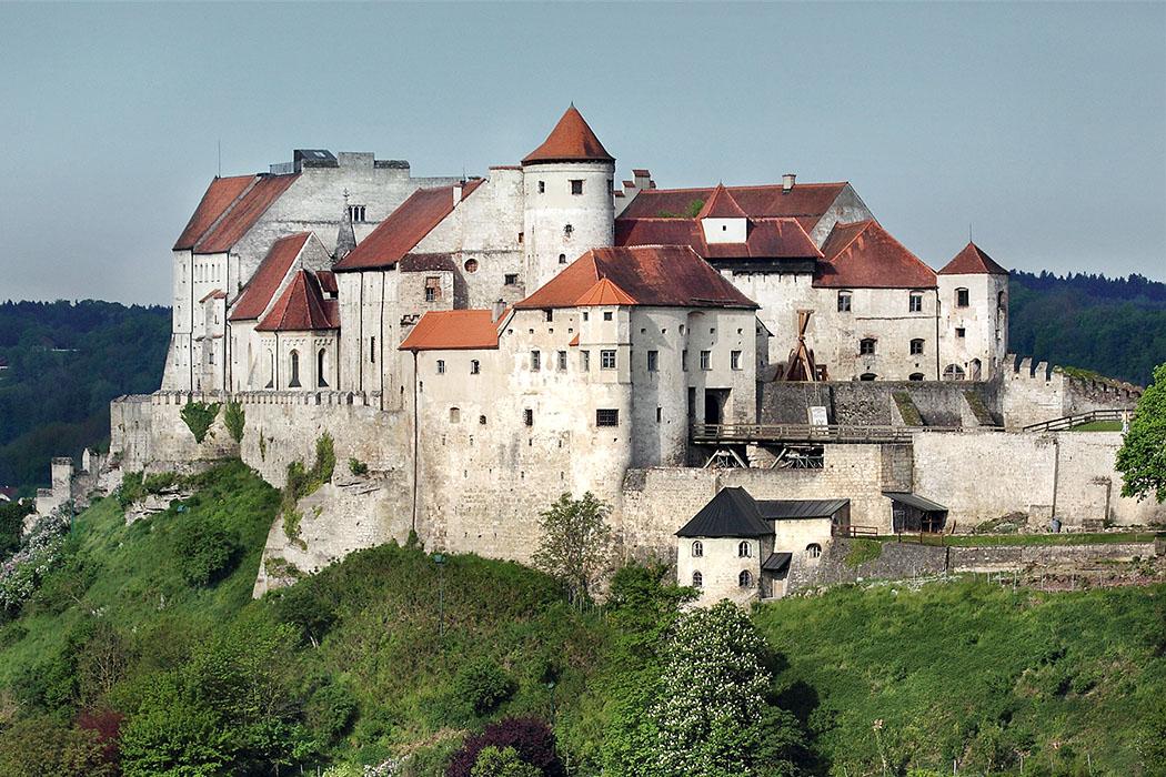 Hauptburg-Messerzeile-Burghausen_02_ol Burghausen: Die Burg ist mit über einem Kilometer Länge die längste Burg der Welt.