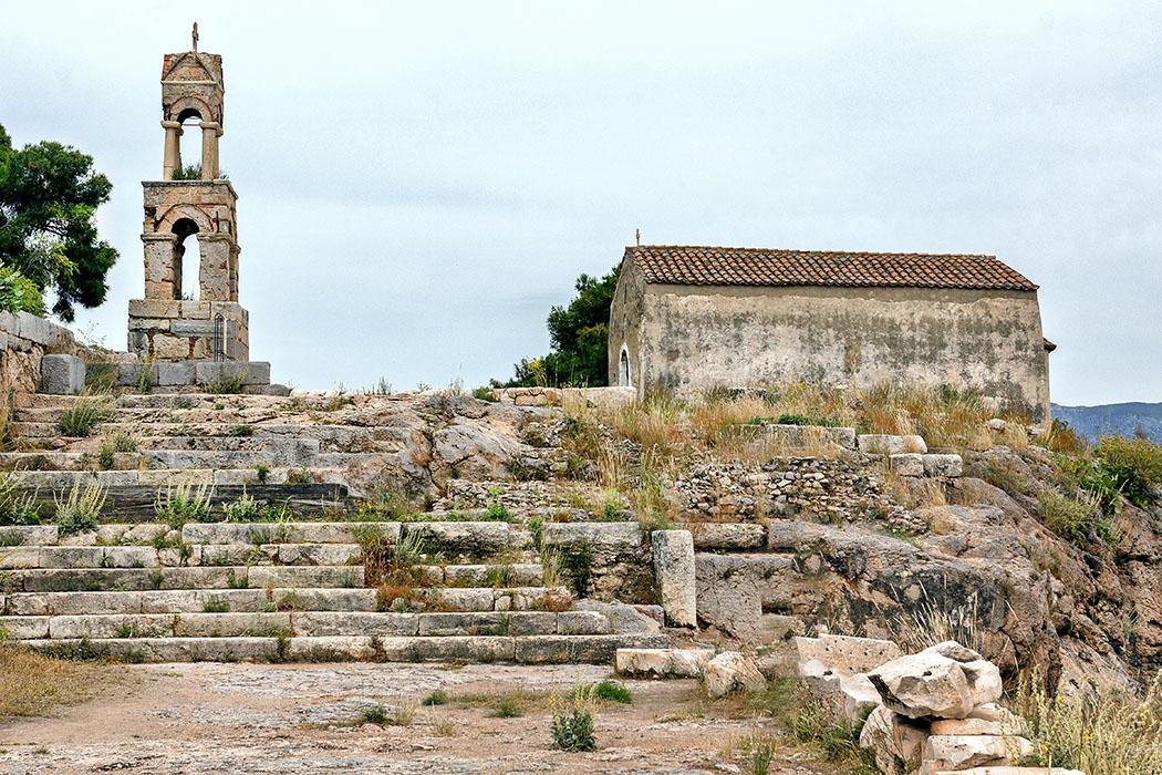 Griechenland: Attika – Eleusis und der Mysterienkult im Demeter-Heiligtum reise-zikaden.de, greece, attica, eleusis, elefsina, Panagitsa Mesosporitissa, demeter tempel