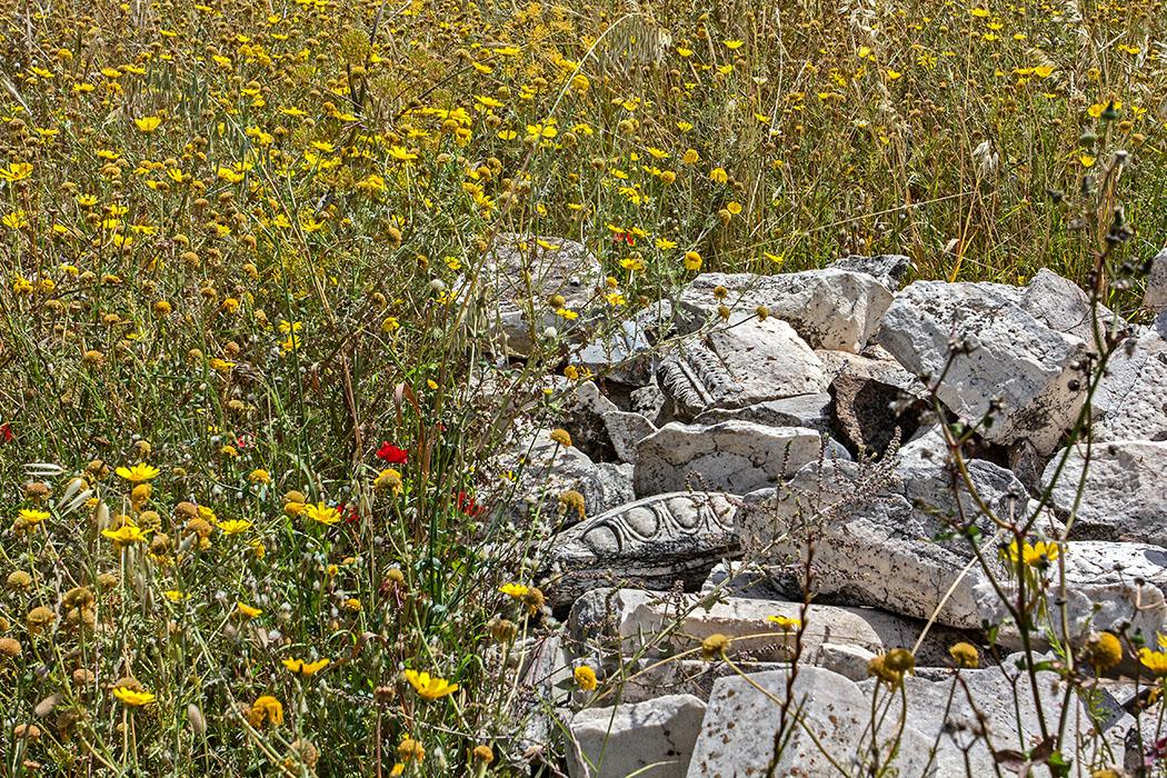 Griechenland: Attika – Eleusis und der Mysterienkult im Demeter-Heiligtum reise-zikaden.de, greece, attica, eleusis, elefsina, silo, marmorteile