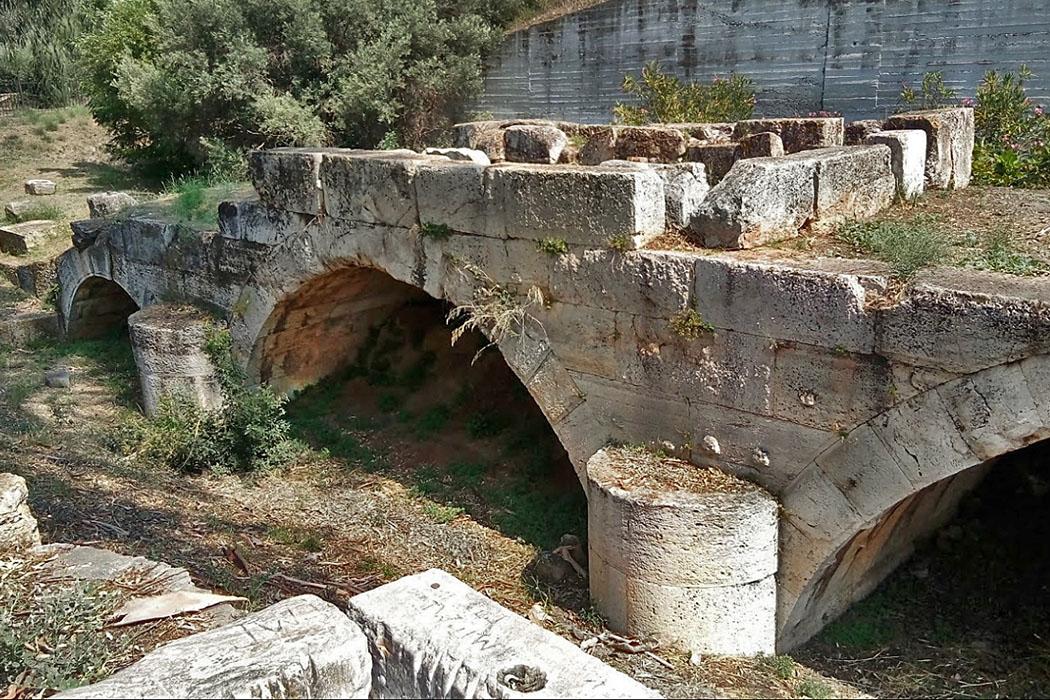 Roman bridge Eleusis-ol