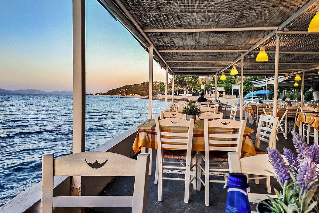 Griechenland: Attika - 14 Sehenswürdigkeiten plus Extra-Tipps Taverna Nea Zoi, Markopoulo Bay, Lefosos Paraliaki Oropou, Marko