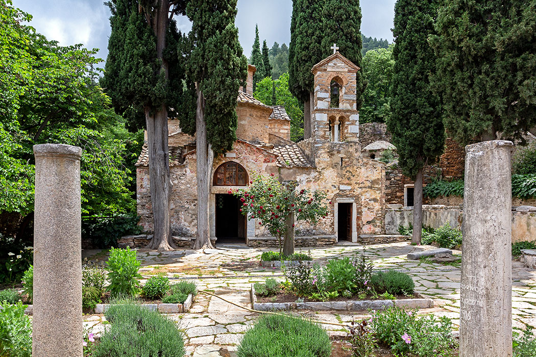 Griechenland: Attika - 14 Sehenswürdigkeiten plus Extra-Tipps reise-zikaden.de, greece, attica, Athen, Kloster Kesariani, Hymettos