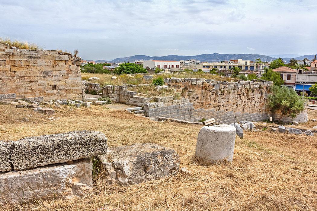 Griechenland: Attika – Eleusis und der Mysterienkult im Demeter-Heiligtum reise-zikaden.de, greece, attica, eleusis, elefsina, Südtor, Befestigungsmauern