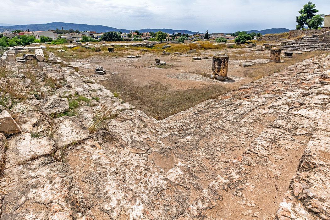 Griechenland: Attika – Eleusis und der Mysterienkult im Demeter-Heiligtum reise-zikaden.de, greece, attica, eleusis, elefsina, telesterion, panorama, sitzreihen