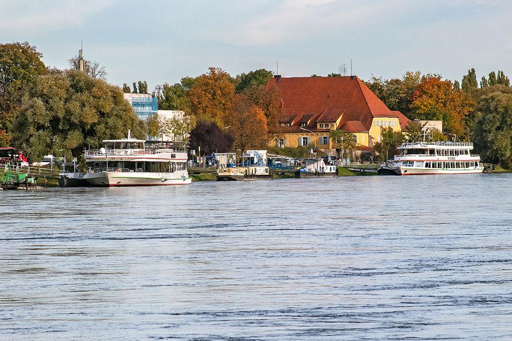 reise-zikaden.de, deutschland, niederbayern, kelheim, kloster weltenburg, donaudurchburch, anlegestelle