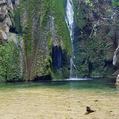 richtis gorge, exo mouliana, crete-ol Der Wasserfall in der Richtis Schlucht bei Exo Mouliana bietet sich zum Baden an. Foto: Wikipedia, Kostdro