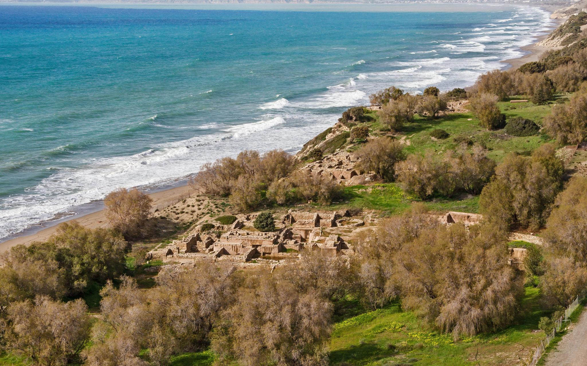 hr Eine der interessantesten Ausgrabungen einer minoischen Hafenstadt auf Kreta ist Kommos. Foto: Wikipedia, Jebulon