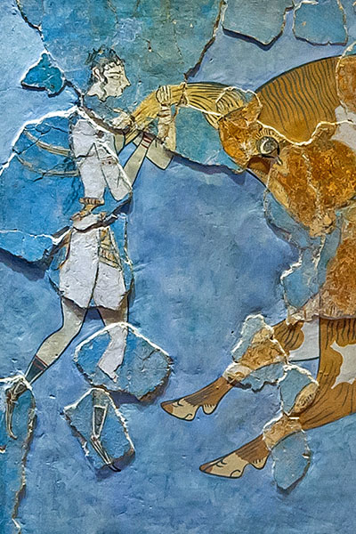 Bull_leaping_minoan_fresco_archmus_Heraklion, wiki, Jebulon_02 Minoische Atlethen trugen beim Stiersprung das traditionelle Perizoma (περίζωμα), eine Art Lendenschurz. Die Abbildung zeigt einen Ausschnitt des berühmten Stiersprung-Freskos aus Knossos, das auf 1.550 v. Chr. datiert. Ausstellungsort: Archäologisches Museum, Heraklion. Foto: Wikipedia, Jebulon