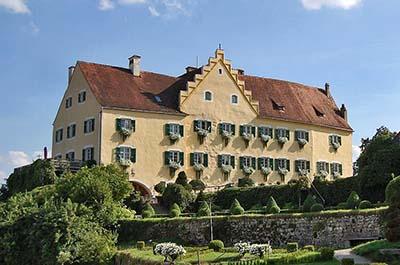 hexenagger_schloss_schambachtal_bayern-ol Schloss Hexenagger bietet nach Anmeldung die Besichtigung des Renaissancegartens an.
