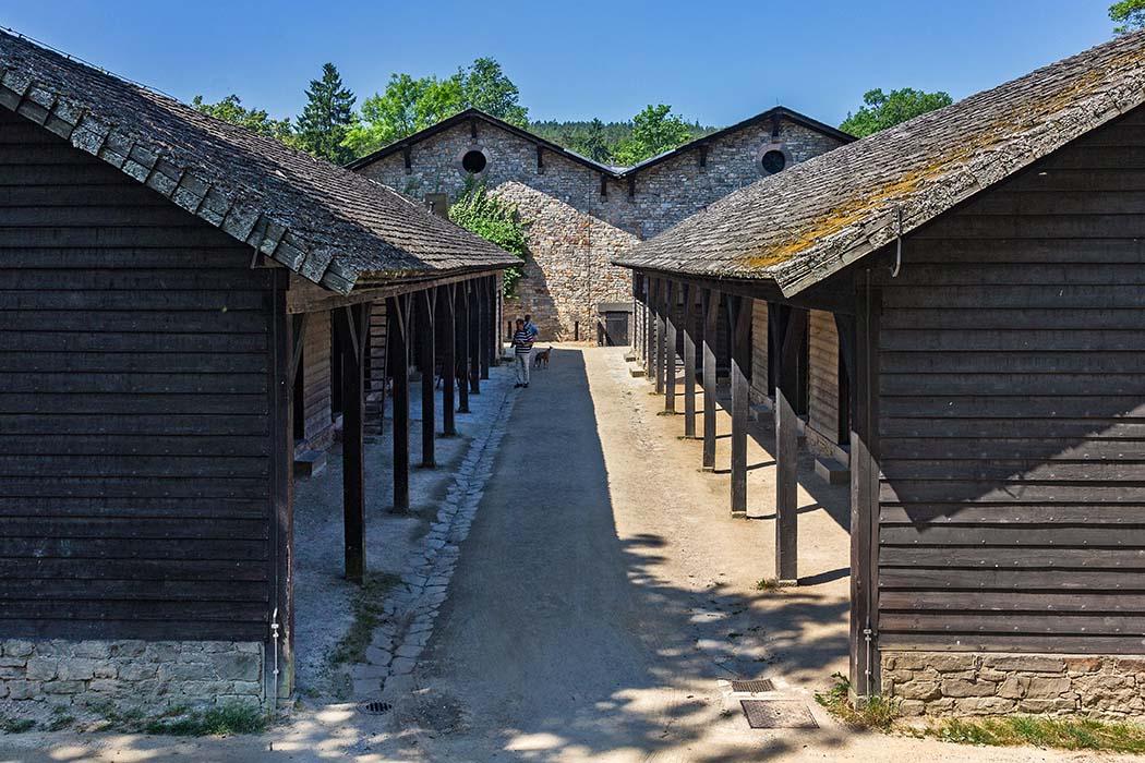 Hessen, In den Barracken (Centuriae) waren die Soldaten des Kohortenkastell Saalburg untergebracht. In den Stuben waren acht Mann untergebracht. Foto: Reise-Zikaden, M. Hoffmann