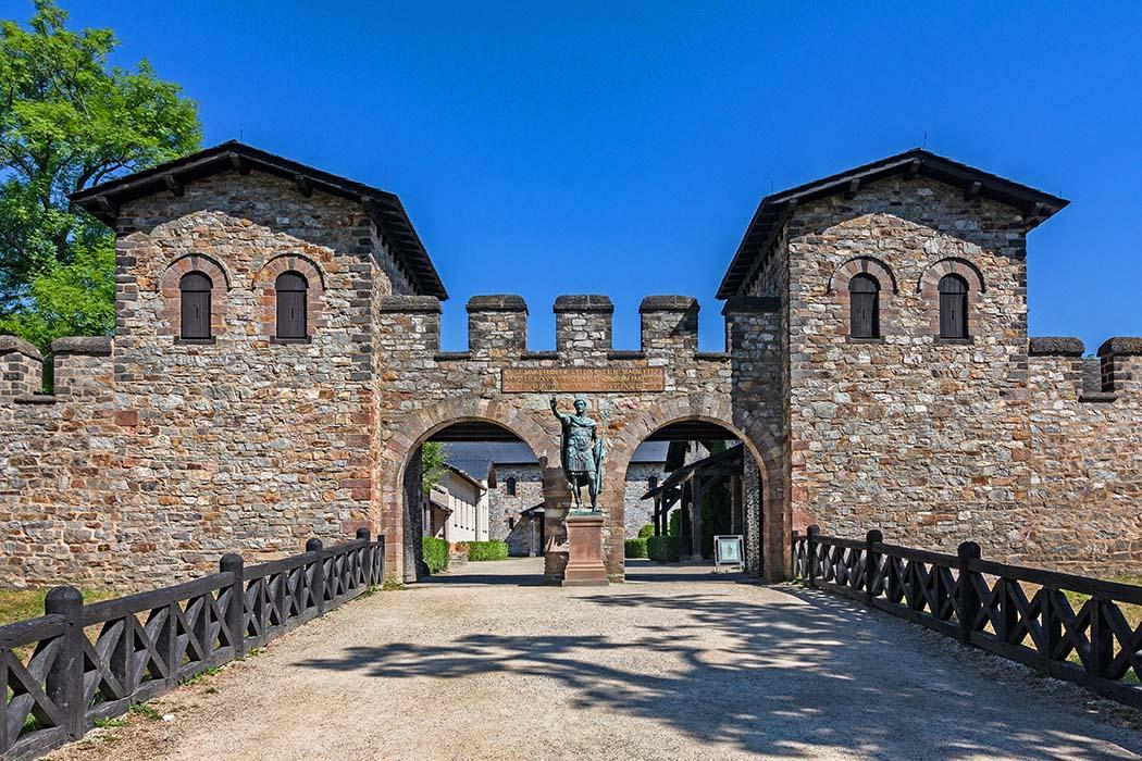 Hessen für Archäologie-Fans: Ausflug zum Römerkastell Saalburg bei Bad Homburg